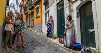 El 'boom' turístico interrumpe la plácida vida portuguesa