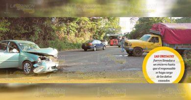 Encontronazo en la carretera Poza Rica - Cazones; dos heridos