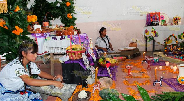 Escuelas de Tancoco apoyan el rescate de las tradiciones