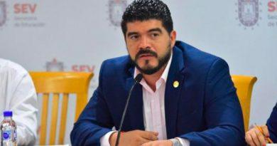Hasta el 2020 entregarán becas en niveles kínder, primaria y secundaria en Veracruz