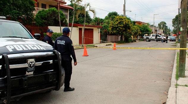 Muere de un infarto en Coatzintla y deja sola a su madre de 90 años