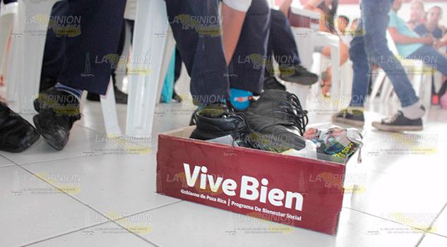 Ofertan apoyos de Vive Bien en Poza Rica