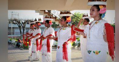 Realizan foro cultural en Naranjos