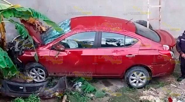 Se accidenta doctora en la México - Tampico y abandona su automóvil