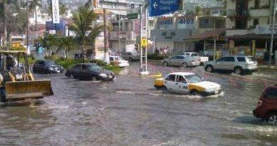 Se desbordan 2 arroyos en Jalisco; situación empeorará con tormenta tropical Priscilla
