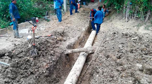 Sin agua se quedan usuarios de Cerro Azul