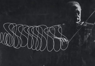 Increíbles fotografías de 1952 que capturan con luz el movimiento del violín de Jascha Heifetz