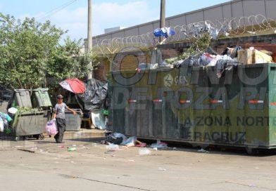 Pestilencia en el parador urbano de Poza Rica