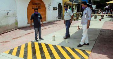 Alcalde de Naranjos supervisa obras que se llevan a cabo en la zona centro