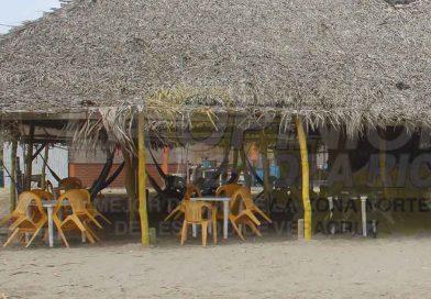 Comercios de playa en banca rota