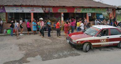Abarrotados bancos y Telecom/Telégrafos en el Totonacapan