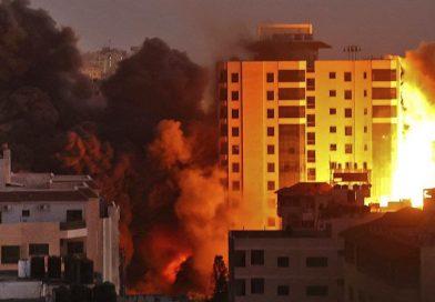 Derriban torre Hanadi durante bombardeos a Israel