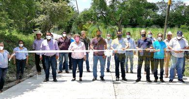 Inaugura Jiménez Rodríguez calle Obrero Mundial en Amatlán