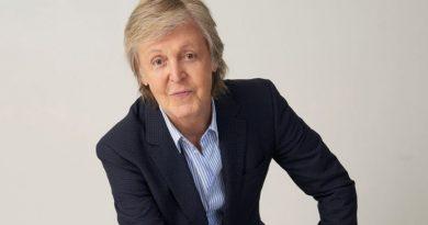 (+ Video) Paul McCartney rejuvenece en el video de «Find My Way» y canta con la voz de Beck