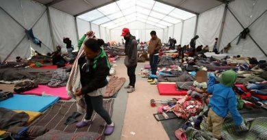Ilegal, negar a familias de migrantes con hijos el derecho a pedir asilo en EU: juez