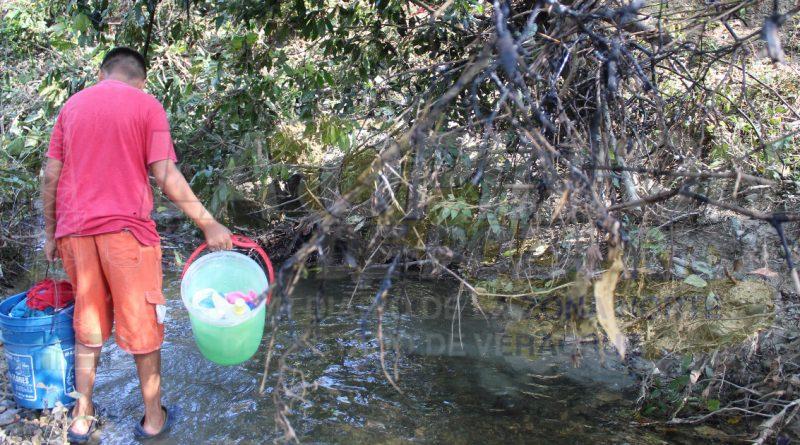 Pemex no ha apoyado con agua